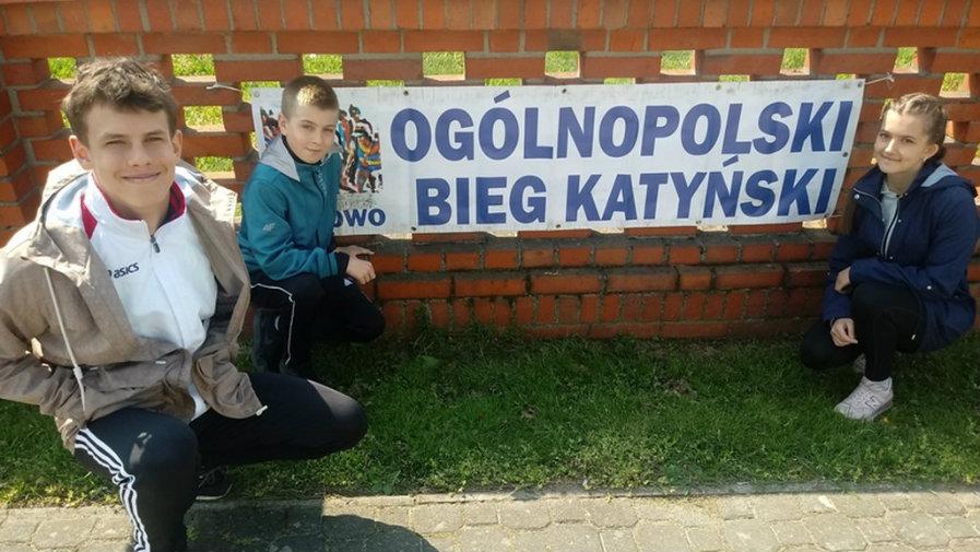 Biegacze KS Krotosz na zawodach w Pępowie