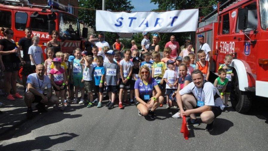 biegacze oraz kolarze z powiatu krotoszyńskiego na Święcie Sportu w Łąkocinach