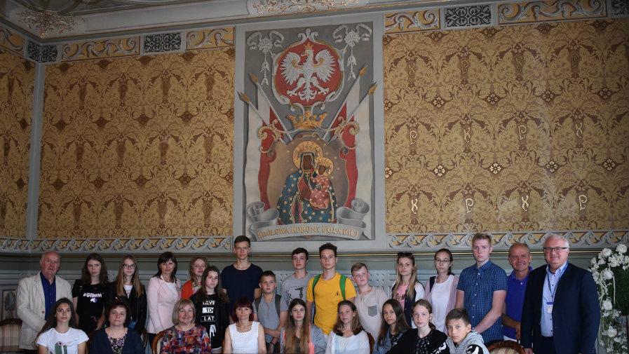 Wizyta młodzieży z polskiej szkoły w Mejszagole w Urzędzie Miejskim w Krotoszynie