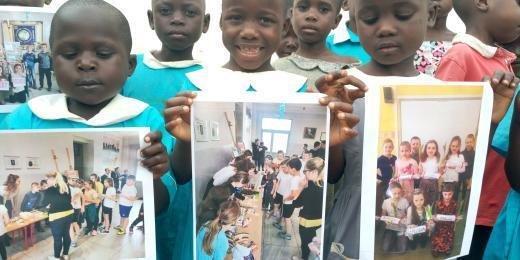 Uczniowie  ze Szkoły Podstawowej im. A. Zalewskiego w Świnkowie  pomagają dzieciom z Ugandy